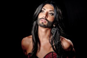 Conchita Wurst Singer Golden Globes 2015