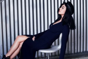 Katy Perry Singer Chair Model Style