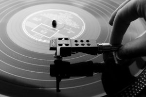 Play An Old Vinyl